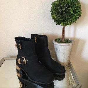Vince Camuto Vo Wydell Black Mid Calf Boot